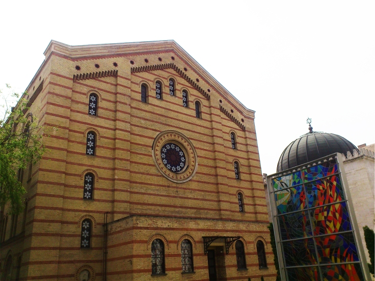 synagogue out1